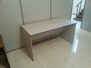 Стол офисный белый