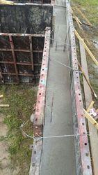 Опалубка бетон и рабочие