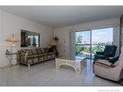Продается прекрасная однокомнатная квартира в Майами в Санни Айлс Бич