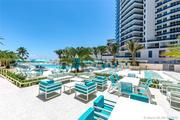 Продается светлая и просторная студия на пляже в Майами(Hollywood)